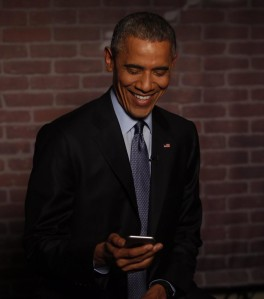 President-Obama-Reads-Mean-Tweets-2-902x1024